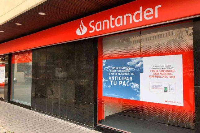 Banco Santander y la UCLM convocan nueva edición de becas de excelencia para estudiantes de másteres oficiales en el curso 2020-2021