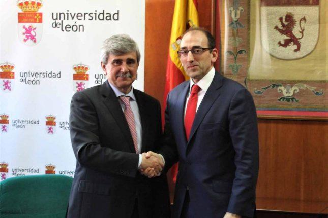 Banco Santander y la Universidad de León firman su primer acuerdo de colaboración