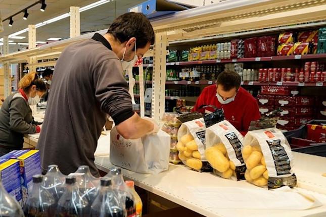 Los hogares españoles aumentaron su cesta de la compra un 32,5% en abril