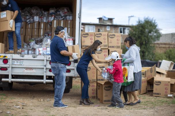 Banco Santander México y Zurich Foundation entregan alimentos y kits de higiene a más de 5.000 familias vulnerables