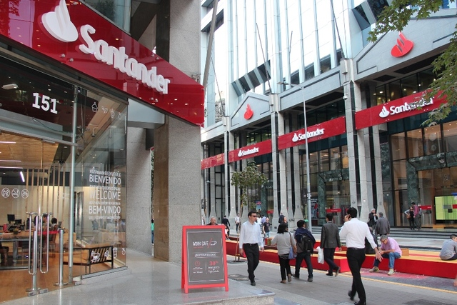 Banco Santander Chile obtiene sello 'Cero Residuos' en sus edificios centrales L