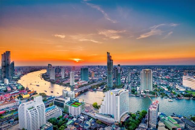 La economía de Tailandia cae un 12,2%