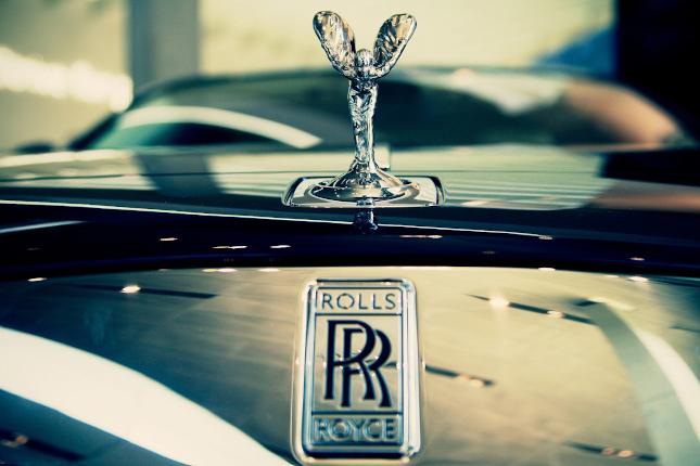 Rolls-Royce negociará con Bain Capital la venta de IPT Aero