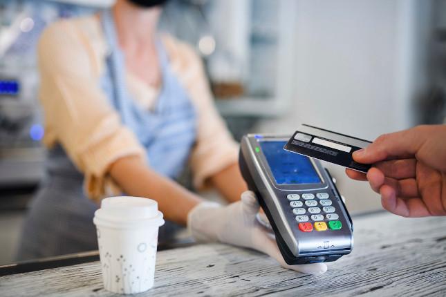 BBVA Research: El gasto con tarjetas mantiene un nivel superior al registrado en 2019