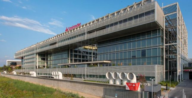 Banco Santander, la Fundación Miguel Castillejo y la Uceif firman un acuerdo sobre educación financiera