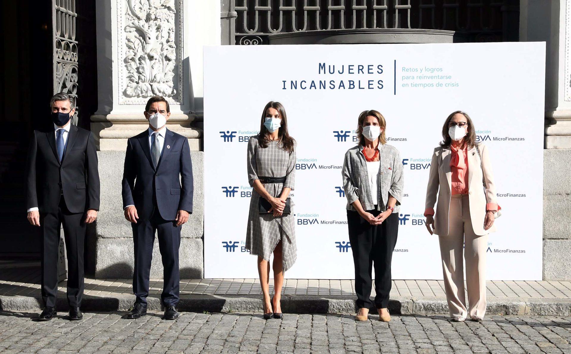 La reina Letizia y BBVA reconocen el esfuerzo de las mujeres frente a la pandemia