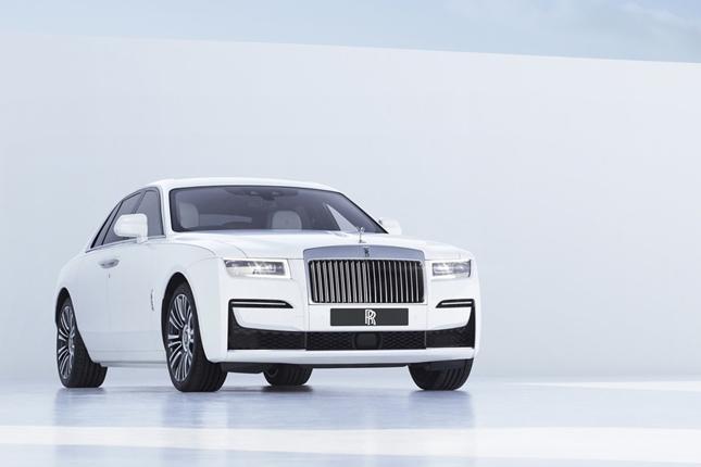 Rolls-Royce lanza su nuevo modelo Ghost