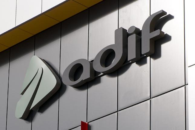 Adif subasta cuatro viviendas en Madrid