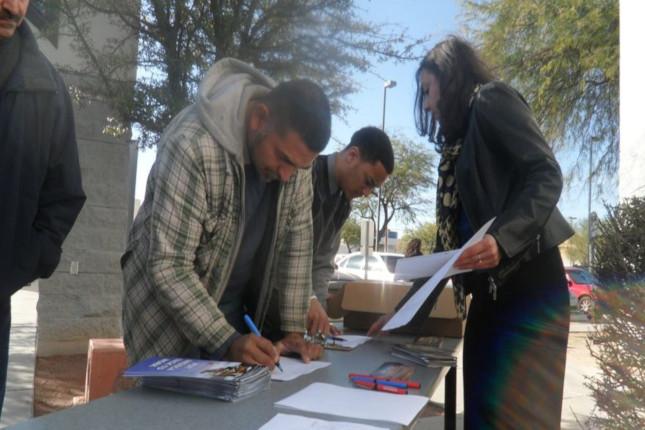 Los hispanos en EE.UU., pesimistas por el desempleo