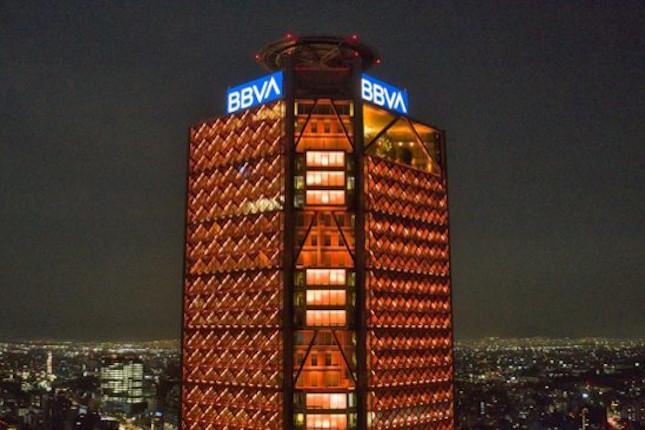 BBVA y ENGIE instalan una banca solar multiservicios en Perú