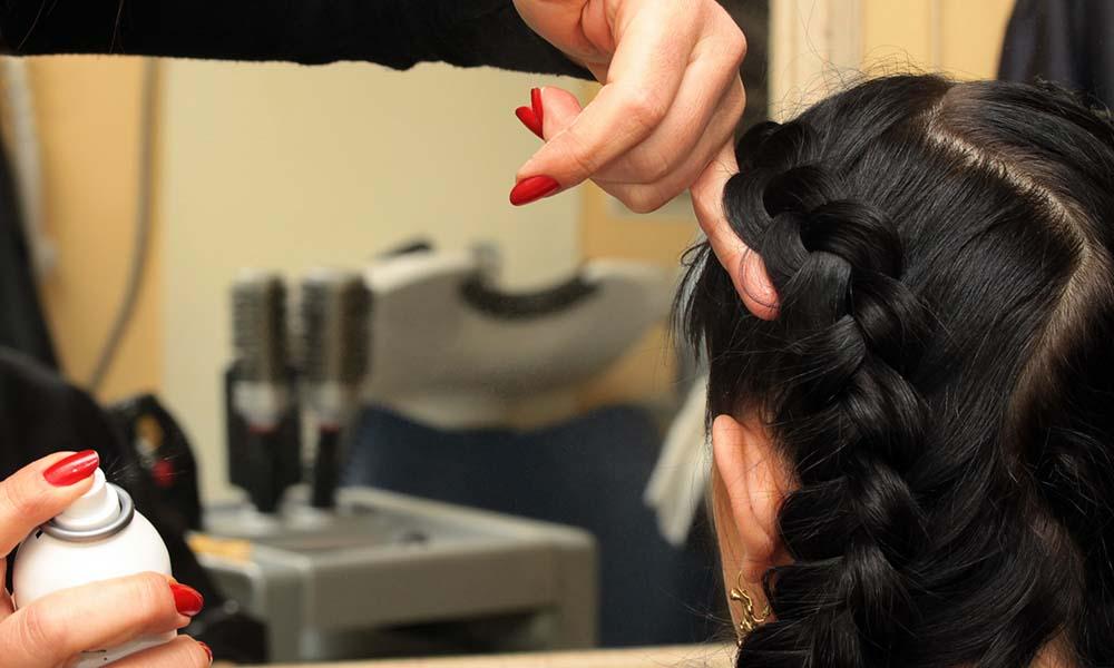 La actividad del sector peluquería y estética cae un 37,8% en el primer trimestre