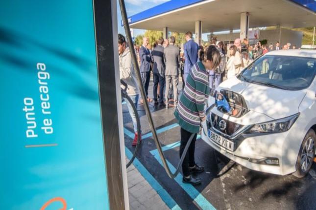 Repsol prevé 1.000 estaciones de recarga en España