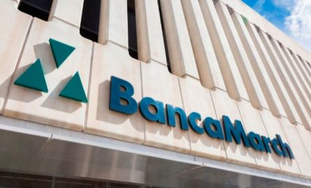 Banca March forma al 61,3% de su plantilla
